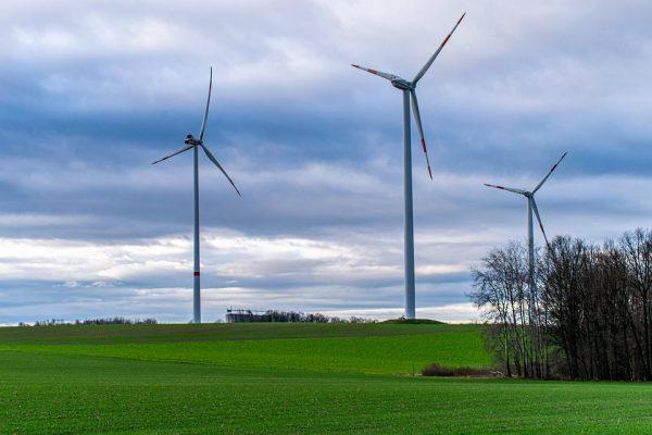In Amerika wordt er erg veel gedaan om groene energie op te wekken, maar hoe wordt dit geregeld door de overheid?